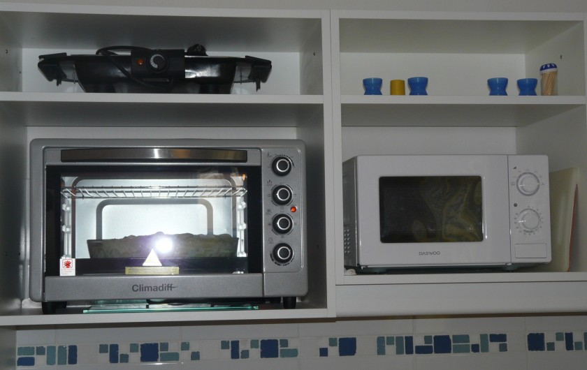 Location de vacances - Villa à Vaison-la-Romaine - les fours  de la cuisine