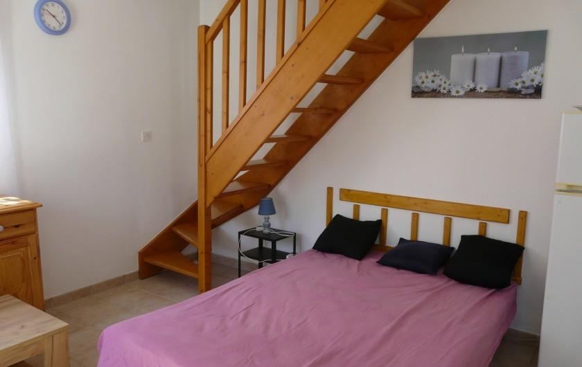 Location de vacances - Villa à Vaison-la-Romaine - clic -clac du séjour transformé en lit 2 places 140x190