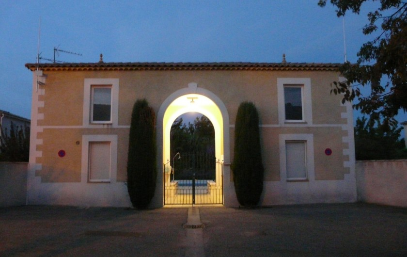 Location de vacances - Villa à Vaison-la-Romaine - l'accès à la piscine ouverte du 01/05 au 30/09 de 9hà 21h