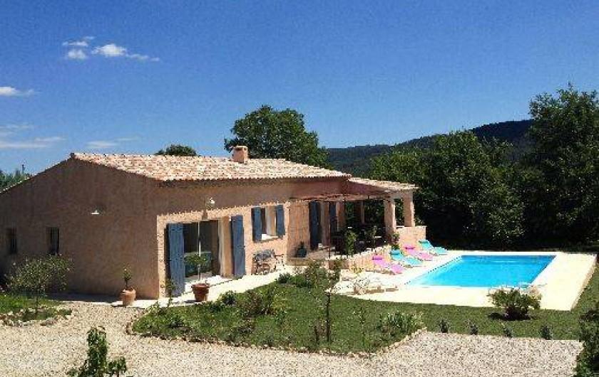Location de vacances - Villa à Salernes - maison + Piscine