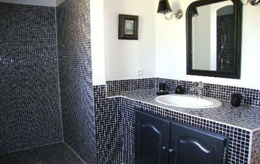 Location de vacances - Villa à Salernes -  Salle de bain