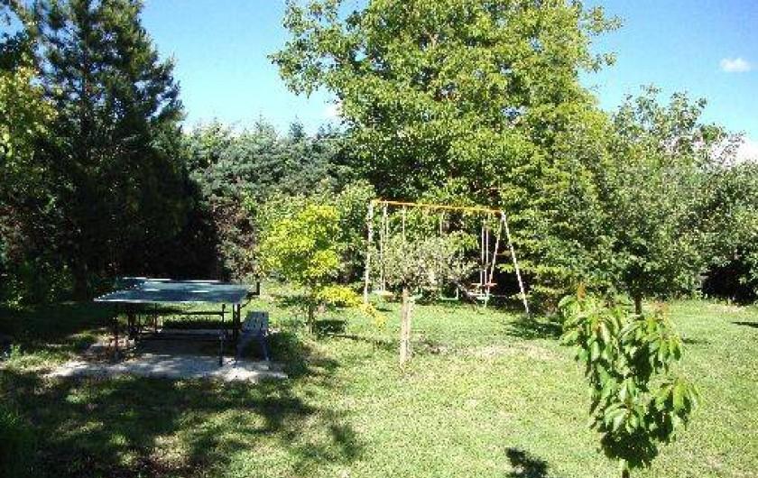 Location de vacances - Villa à Salernes - Table de ping-pong et balançoires