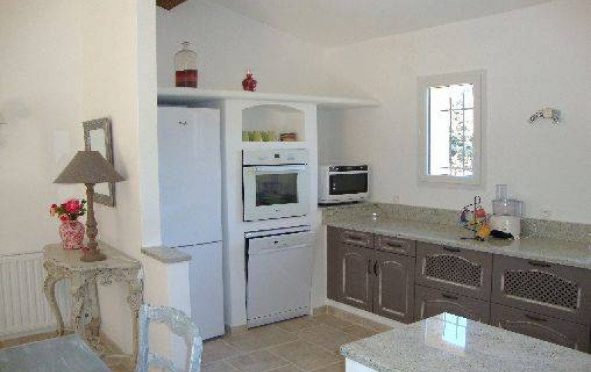 Location de vacances - Villa à Salernes - 1ère partie de la cuisine