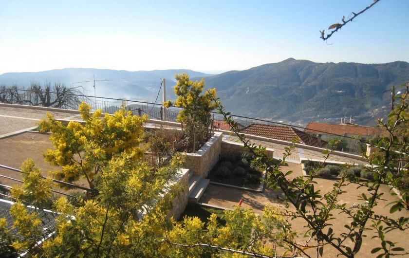 Location de vacances - Maison - Villa à Berre-les-Alpes - vue prise depuis les chambres
