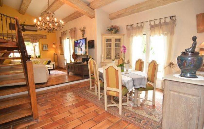 Location de vacances - Mas à Orgon - belle et grande cuisine