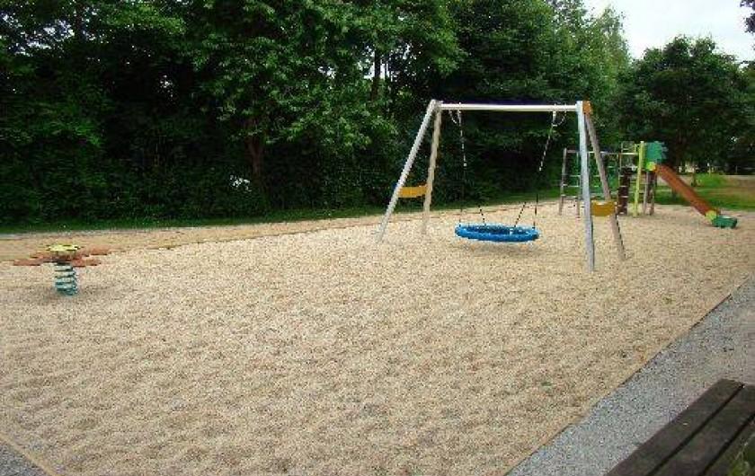 Location de vacances - Chalet à Villiers-Charlemagne - Aire de jeux pour enfants