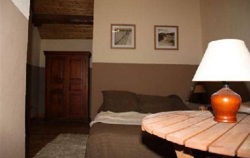 Location de vacances - Gîte à Rochepaule - chambre avec 1 lit de 140