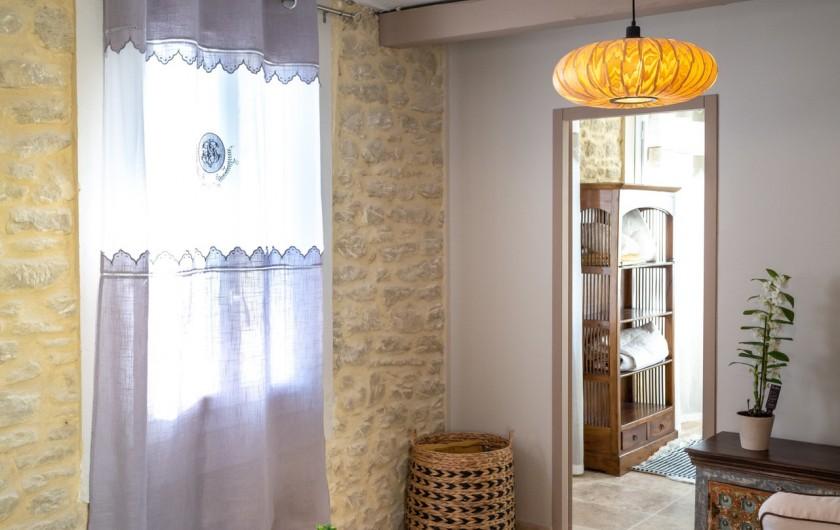 Location de vacances - Gîte à Pernes-les-Fontaines - Fenêtre sur salon