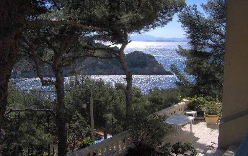 Location de vacances - Villa à Ensuès-la-Redonne - Vue mer depuis terrasse du haut