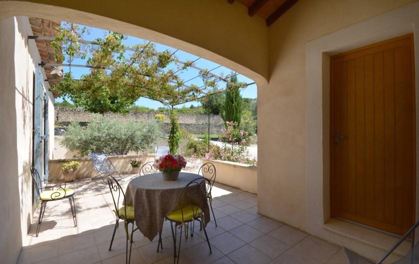 Location de vacances - Villa à Venasque - Terrasse