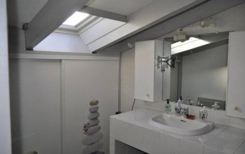 Location de vacances - Villa à Prunelli-di-Fiumorbo - salle d'eau 2