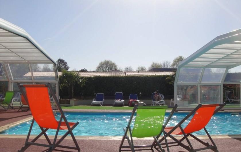 Location de vacances - Bungalow - Mobilhome à Landevieille - La piscine couverte et chauffée