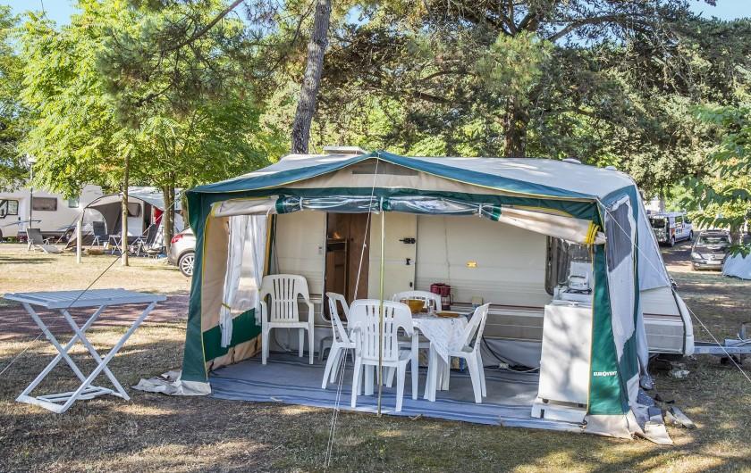 Location de vacances - Camping à Dolus-d'Oléron - Petite caravane – Formule 1