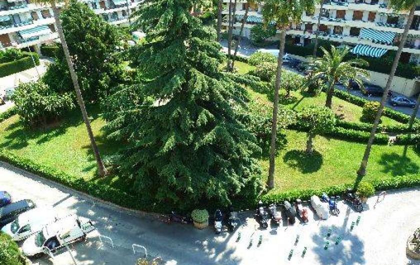 Location de vacances - Appartement à Nice - parc de la résidence