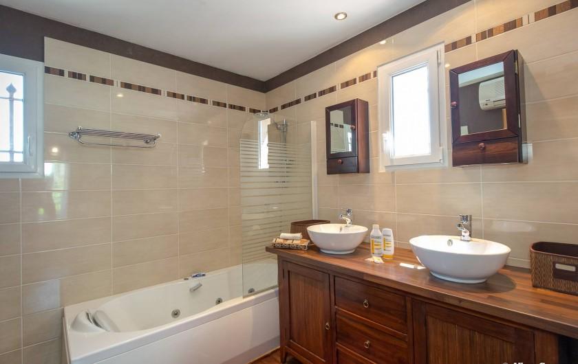Location de vacances - Villa à Fayence - salle de bain
