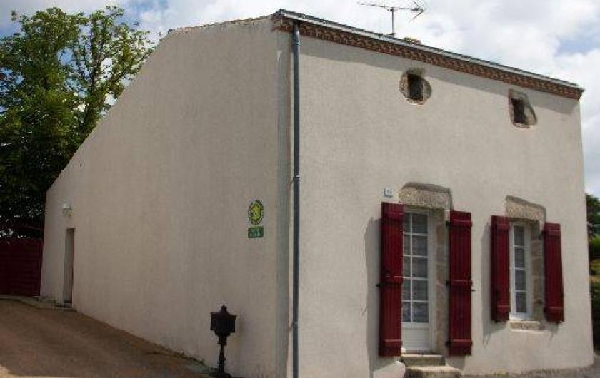 Location de vacances - Gîte à Montfaucon-Montigné - façade avant
