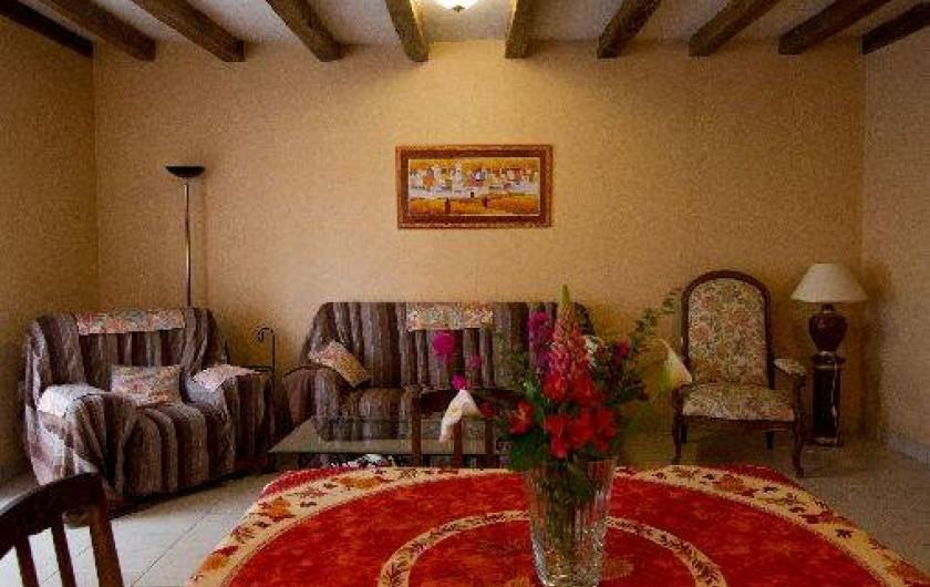 Location de vacances - Gîte à Montfaucon-Montigné - salle à manger partie salon