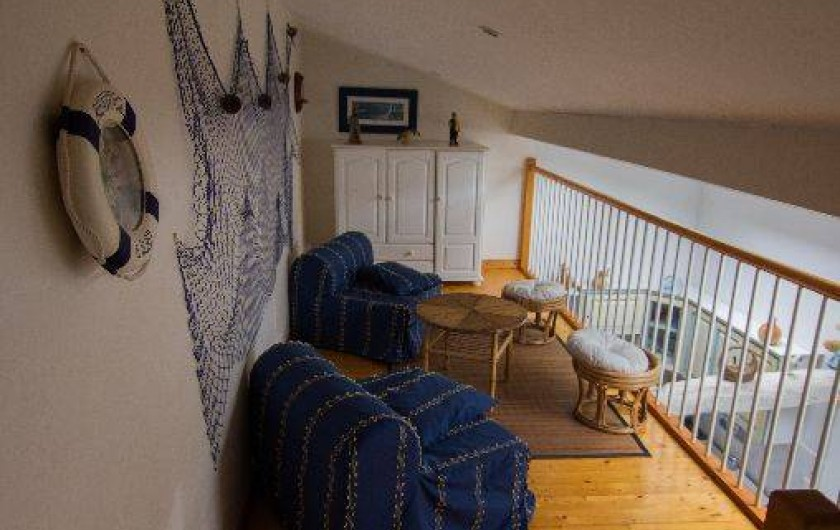 Location de vacances - Gîte à Montfaucon-Montigné - mezzanine avec deux chauffeuses étage