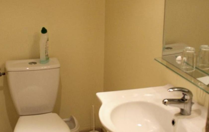 Location de vacances - Gîte à Montfaucon-Montigné - WC étage