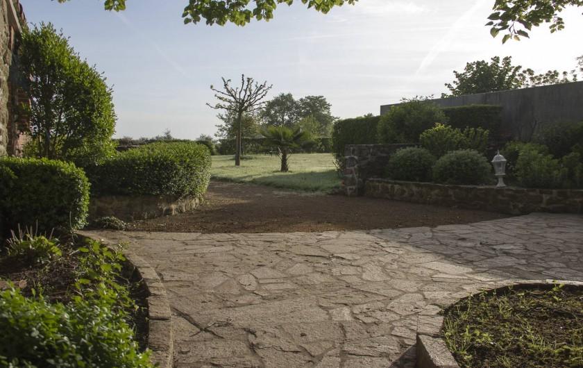 Location de vacances - Gîte à Montfaucon-Montigné - côté jardin
