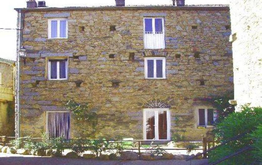Location de vacances - Appartement à Isolaccio-Di-Fiumorbo - Façade de la maison