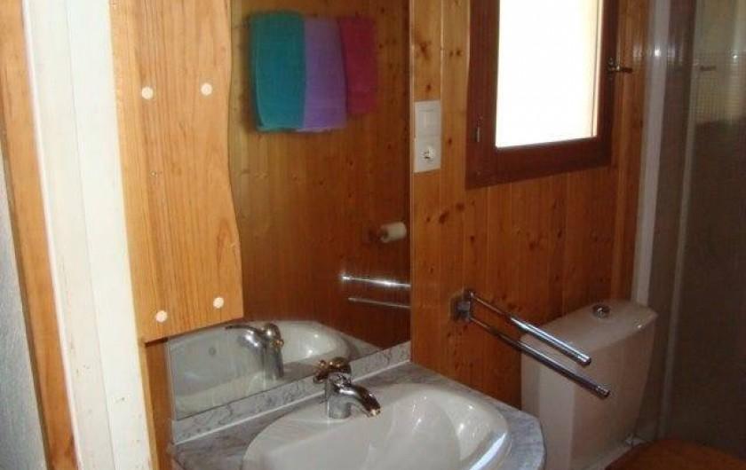 Location de vacances - Chalet à Sainte-Maxime - la salle de douche