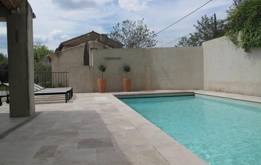 Location de vacances - Chambre d'hôtes à Loriol-du-Comtat - La Piscine, plage et pool house