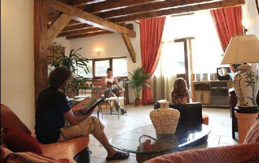 Location de vacances - Gîte à Mondon - Salon du gîte