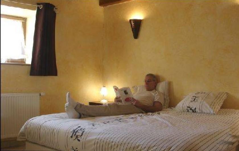 Location de vacances - Gîte à Mondon - Chambre parentale