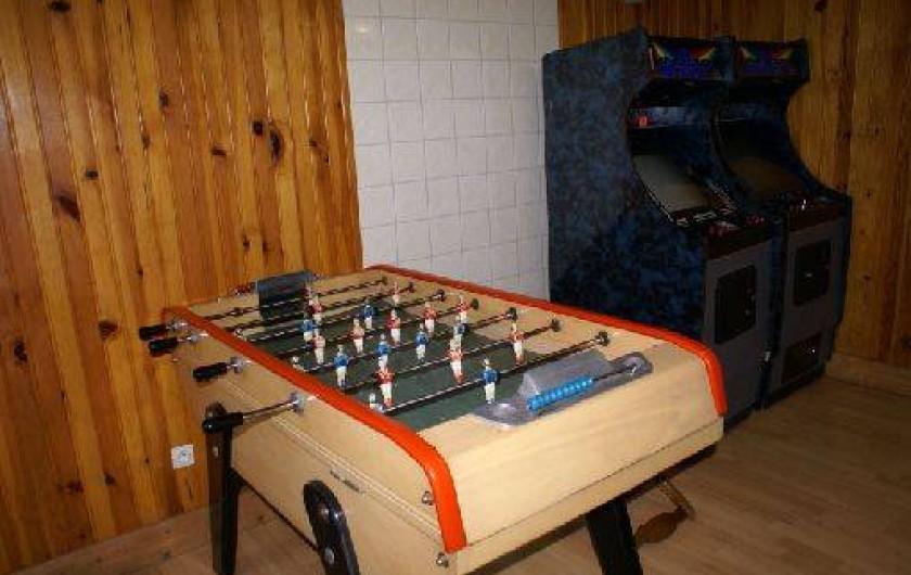 Location de vacances - Gîte à Saint-Amarin - Salle jeux babby foot , jeux vidéos