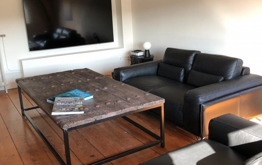 Location de vacances - Gîte à Tonnoy - le salon du 2ème étage et son coin TV