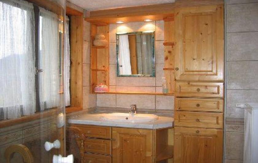 Location de vacances - Gîte à Saint-Marcel - Salle de bain