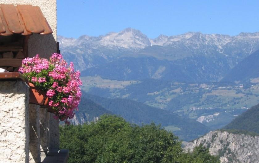 Location de vacances - Gîte à Saint-Marcel - Vue sur la Lauzière