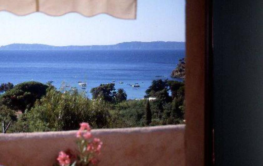 Location de vacances - Appartement à Le Lavandou - Studio-cabine-mezzanine Vue de la terrasse