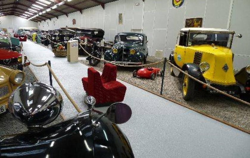 Location de vacances - Camping à Bellenaves - Musée automobile sur place à 2 km du camping, ouvert d'avril à fin septembre.