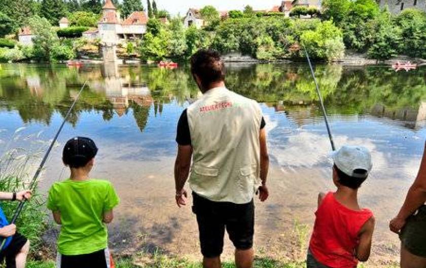 Location de vacances - Gîte à Puy-d'Arnac - Pêche en famille