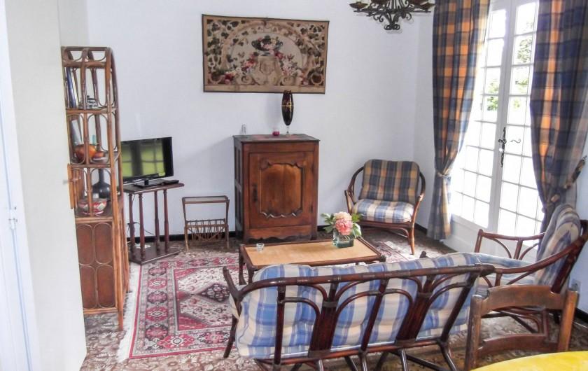 Location de vacances - Maison - Villa à Montcuq - Salon salle à manger 1