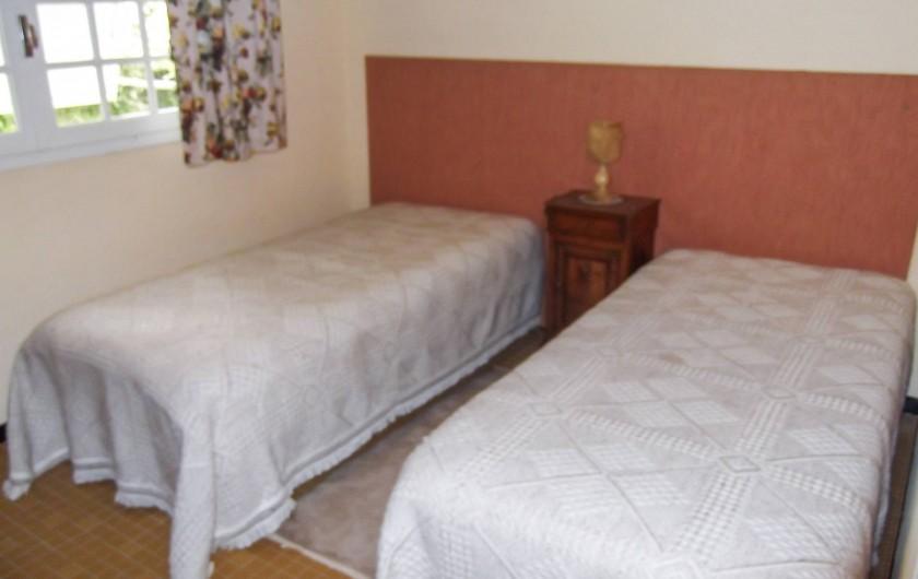 Location de vacances - Maison - Villa à Montcuq - Chambre à deux lits simples