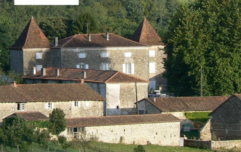 Location de vacances - Gîte à Champs-Romain - Vue d'ensemble de la propriété