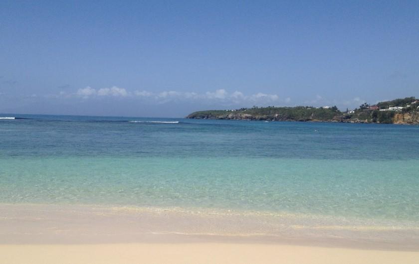 Location de vacances - Appartement à Le Gosier - Des plages magnifiques à quelques minutes.