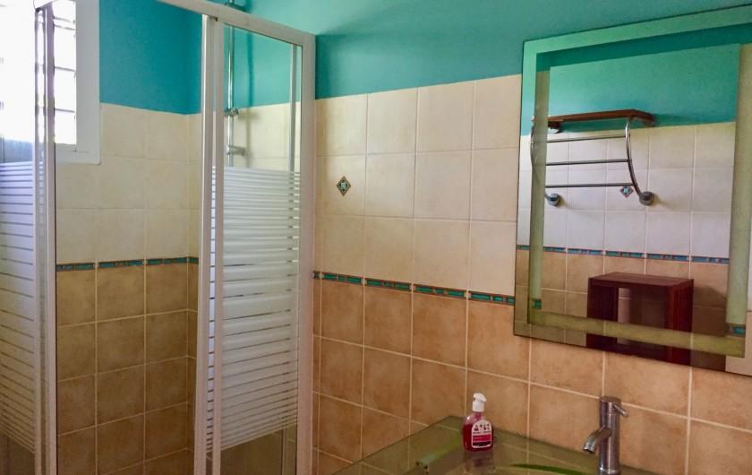 Location de vacances - Appartement à Le Gosier - La salle de bain