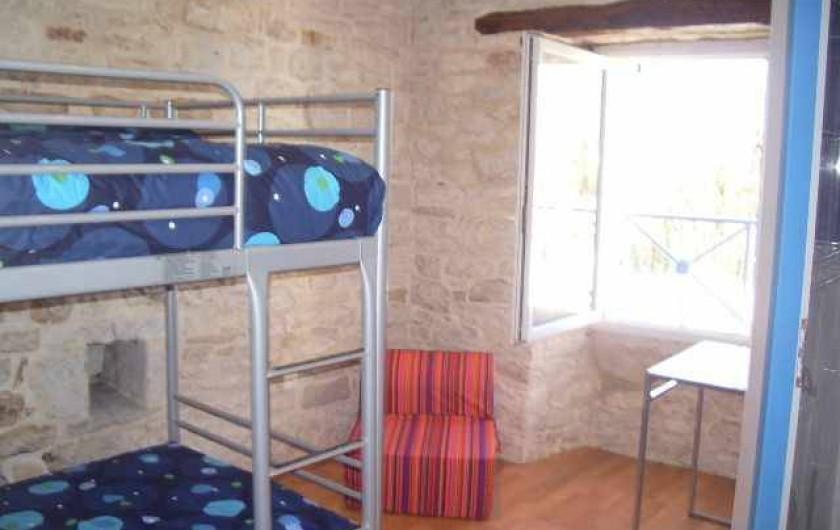 Location de vacances - Gîte à Caylus - gite la colonie chambre +salle d'eau et wc