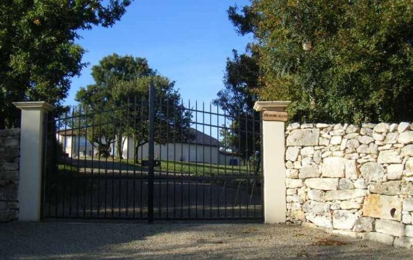 Location de vacances - Gîte à Caylus - gite la colonie  entrée