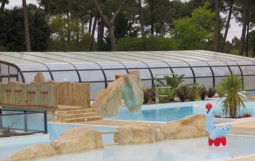 Location de vacances - Camping à La Palmyre - piscine couverte