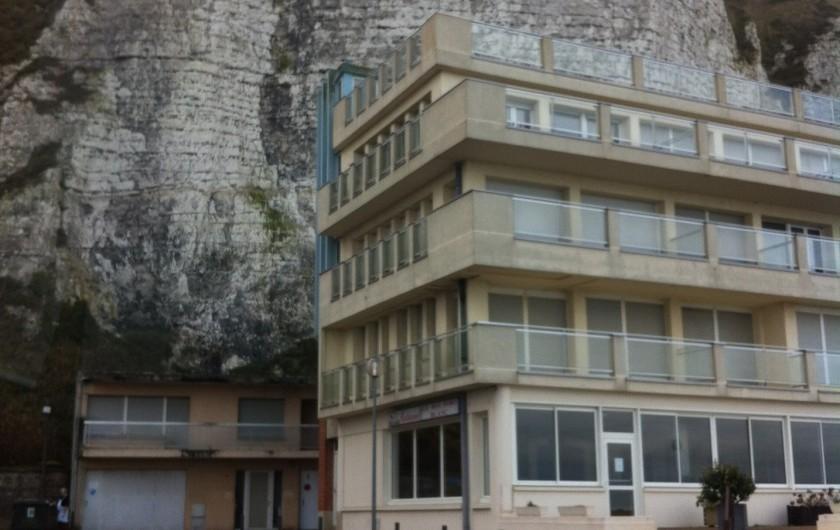 Location de vacances - Studio à Dieppe - La résidence, trois étages