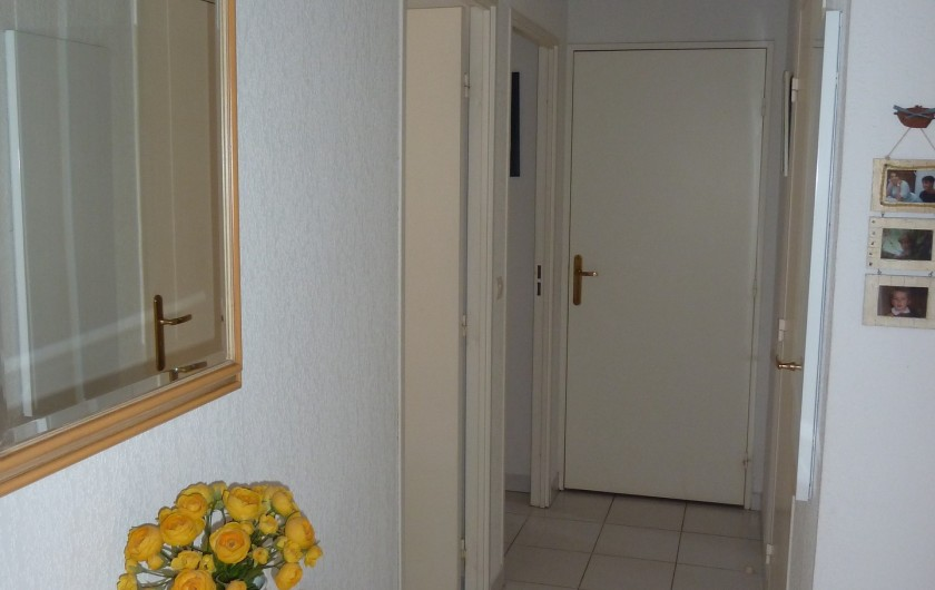 Location de vacances - Appartement à Fréjus - Couloir