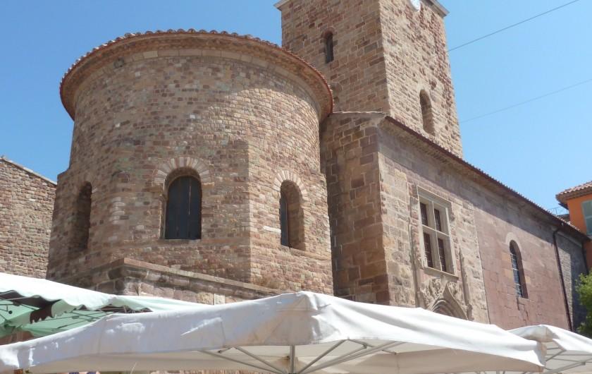 Location de vacances - Appartement à Fréjus - Cathédrale Saint-Léonce Fréjus Centre à 1 km