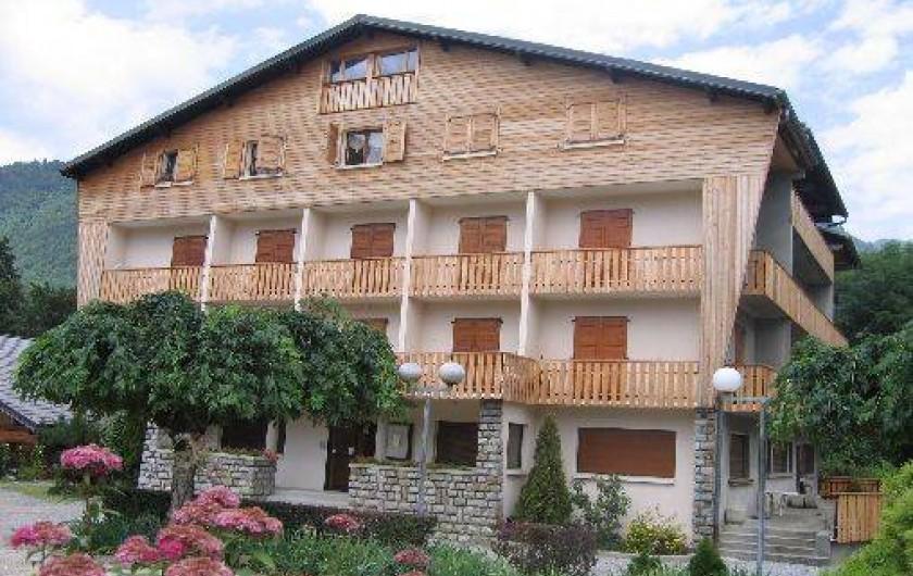 Location de vacances - Appartement à Morzine - Vue extérieur en été