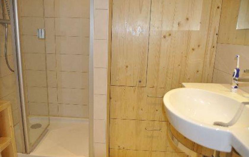 Location de vacances - Appartement à Morzine - Salle de bain