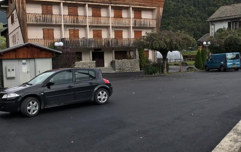 Location de vacances - Appartement à Morzine - Parking